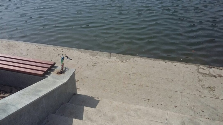 В Уфе вандалы разбили светильники в парке Якутова