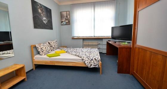 «Пиши мне по этому адресу»: экскурсия по квартире в Екатеринбурге, где жила любовница Маяковского