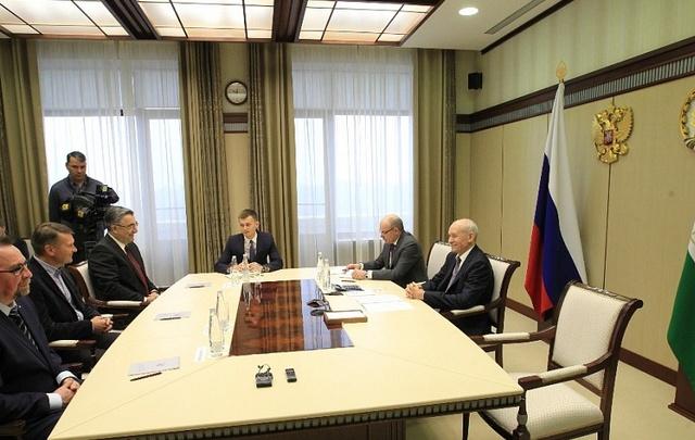 Рустэм Хамитов встретился с главным тренером «Салавата Юлаева»