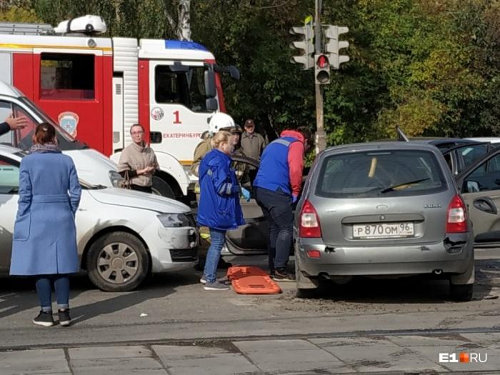 В аварии пострадали трое