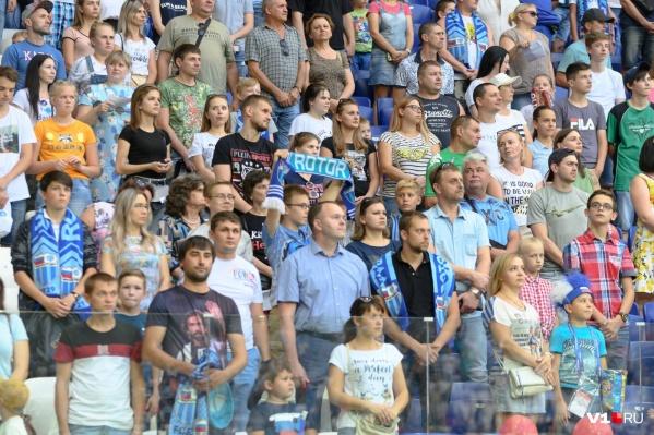 На домашнем матче болельщики назвали Василия Уткина «жирным дедом»