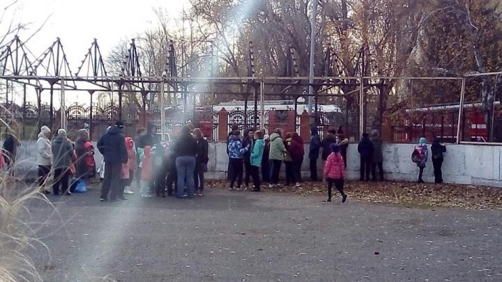 Из тюменской школы №38 эвакуировали 438 человек после сигнала о пожаре