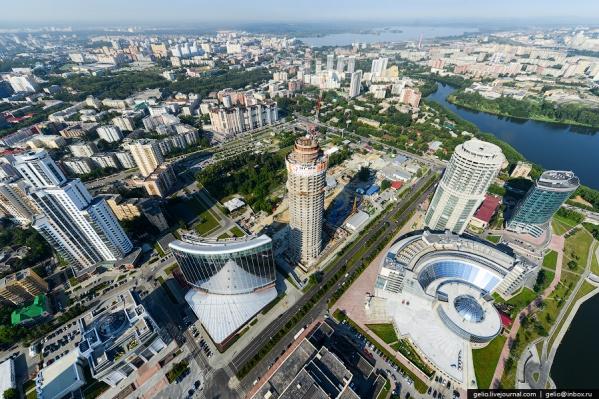 Екатеринбург (на фото) гораздо компактнее Новосибирска и может похвастаться высотной застройкой,считает депутат гордумы уральской столицы Константин Киселёв