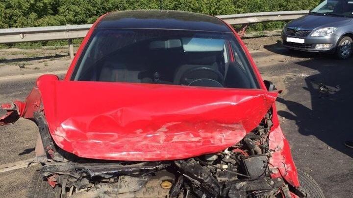 Не заметилOpel на дороге: на трассе Уфа — Оренбург столкнулись три машины