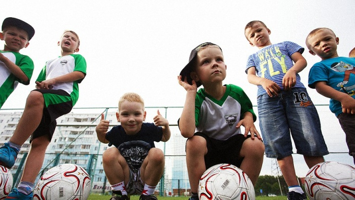 Футбольный клуб набирает энергичных мальчишек на новый тренировочный сезон