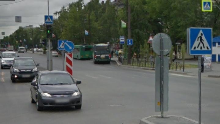 Иномарка сбила 13-летнего мальчика на пешеходном переходе на улице Республики