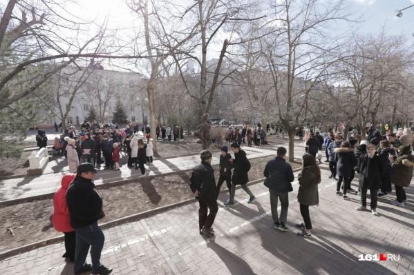 В семи школах Ростова отменили занятия из-за грозных писем