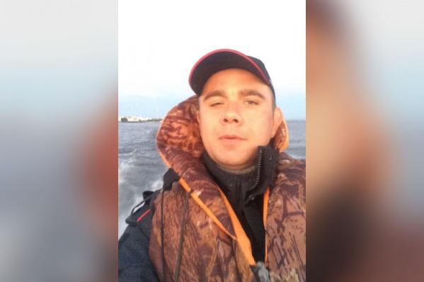 Полицейские опубликовали фото и приметы рыбака, но в итоге помощь не понадобилась