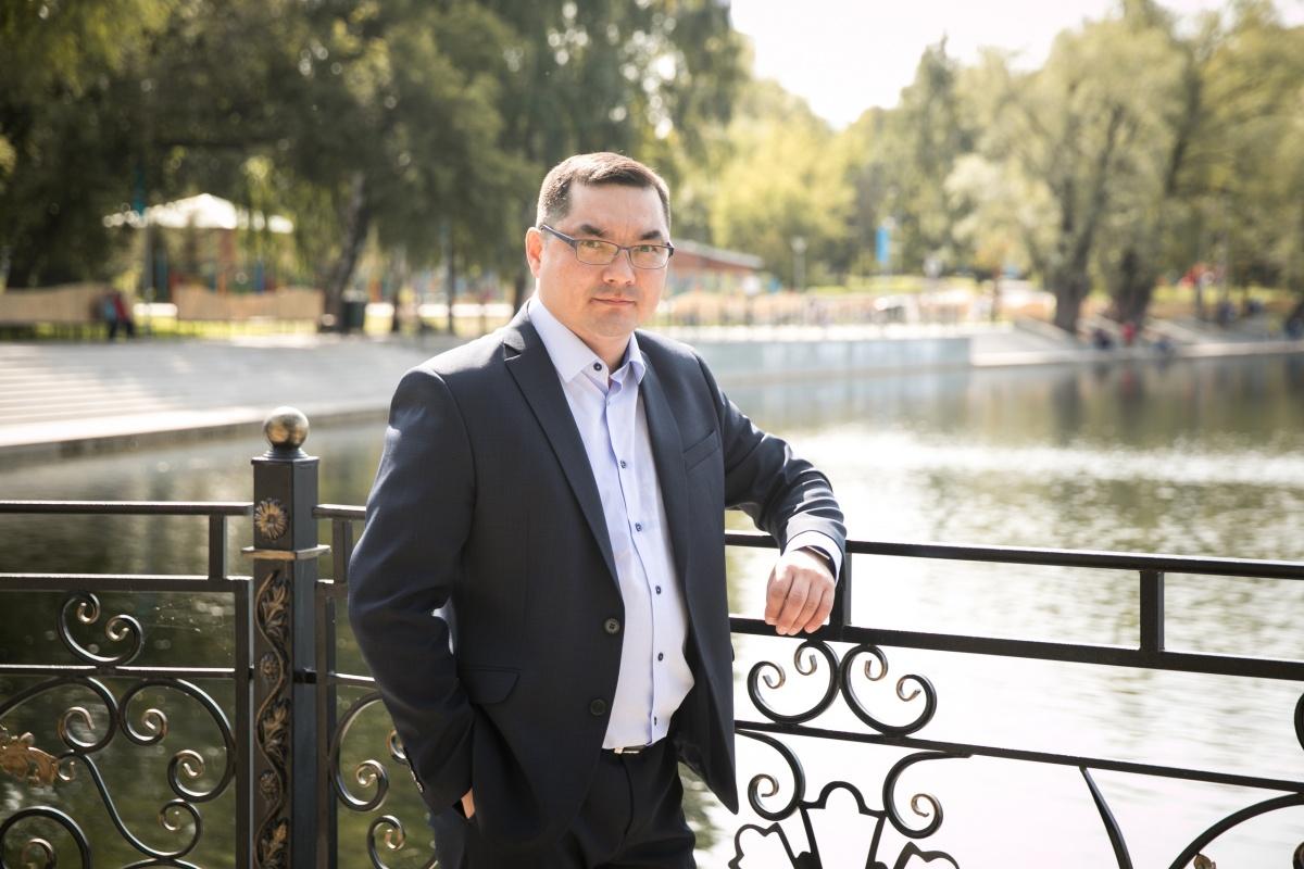 Много времени Урал Кильсенбаев посвятил работе с молодежью