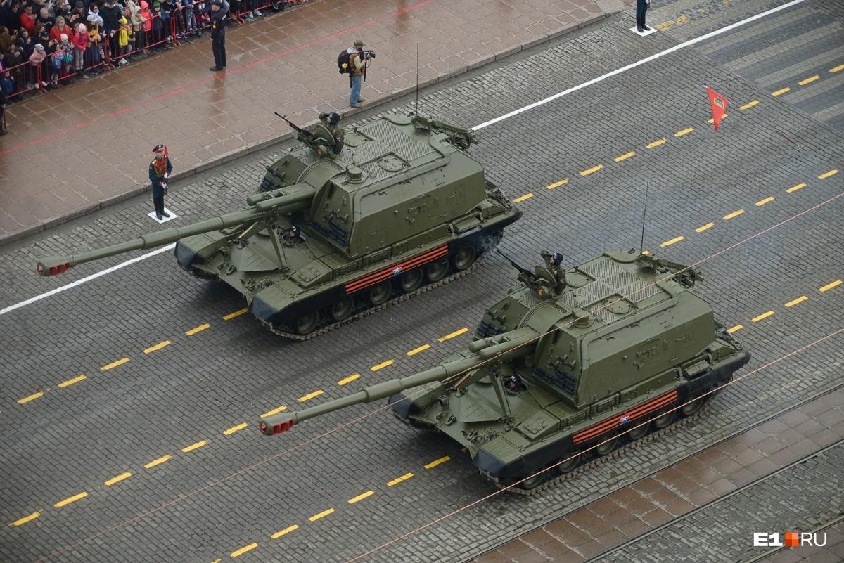 Больше фото военной техники можно посмотреть в  фоторепортаже с генеральной репетиции  парада