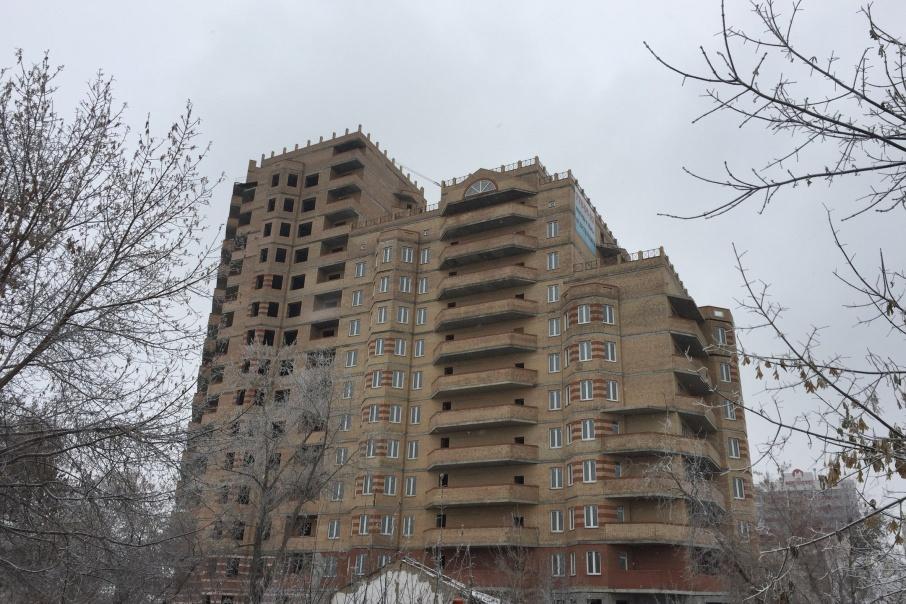 Дольщики планируют подписать договор генерального подряда с инвестором, который достроит их дом