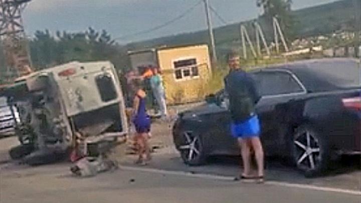 Ехали на Восточный обход: сотрудники «Сибмоста» попали в крупное ДТП на Первомайке