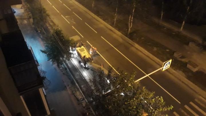 Жители Центрального района пожаловались на шумный ремонт Красного проспекта по ночам