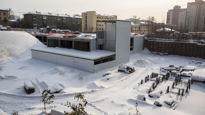 Подземное сооружение в котловане на Кирова переделают в жилую высотку