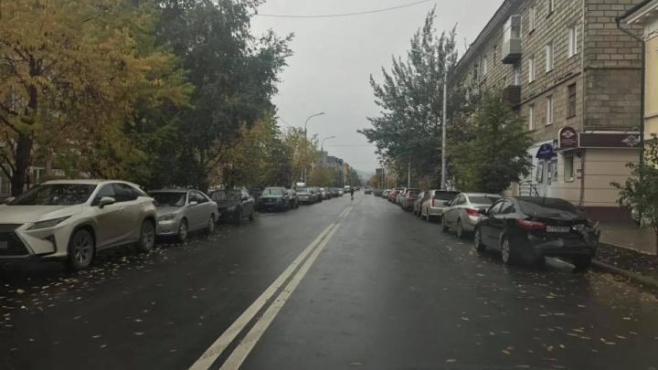 Водители воспользовались отсутствием знаков и превратили обновленный проспект Мира в парковку