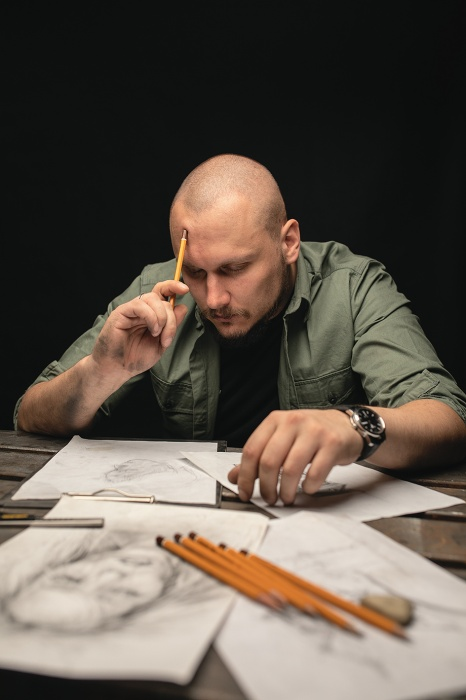 Скульптор Максим Александров