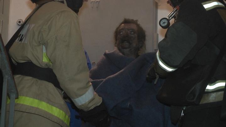 В жилом доме на Уктусе взорвался телевизор, женщину увезли в больницу