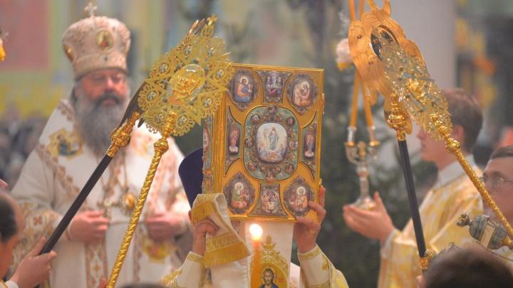 С Рождеством! Праздничный фоторепортаж E1.RU из кафедрального собора Екатеринбурга