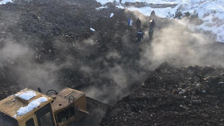 На свалке в Нефтяниках заметили очередной пожар