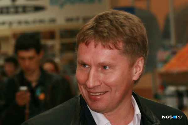 Совладелец торгового холдинга «Сибирский Гигант» Александр Манцуров за год получил доход в размере 71,4 миллиона рублей