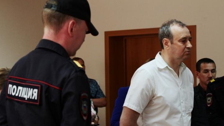 Экс-мэр Копейска, осуждённый за взятку осетрами, попросил выпустить его из колонии