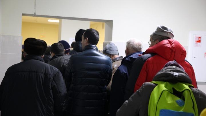 В Ярославле выстроилась гигантская очередь в психбольницу