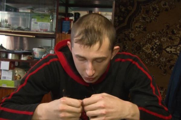 Вячеславу, который признался в убийстве10-летнего Азамата Сулейманова, сейчас 20 лет