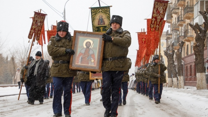 «Как собрались казаки»: 28 волгоградцев пройдут на параде по Красной площади за 4 млн рублей