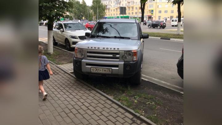Чтобы избавиться от автохамов, ярославскому ресторатору пришлось отгородить проспект