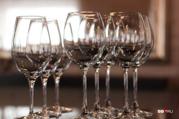 Почти половина пермяков в Новый год, согласно опросу, отказалась от алкоголя