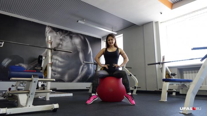 Как построить сексуальное тело: 5 простых упражнений на фитболе