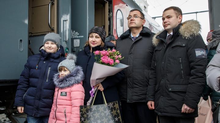 «Выучила дорогу наизусть»: на вокзале Волгограда нашли пассажирку со счастливым билетом