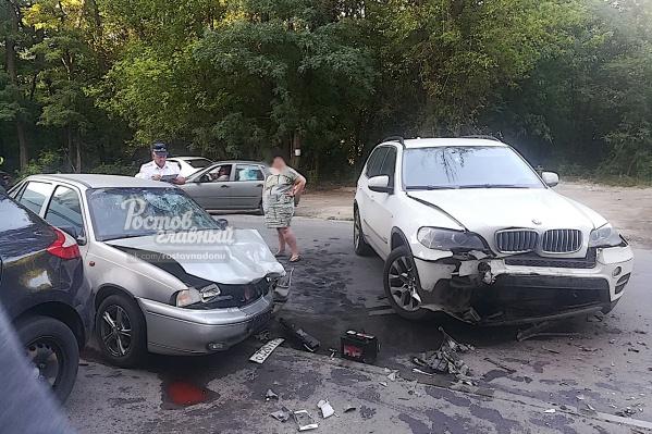 В результате лобового столкновения пострадали четыре человека