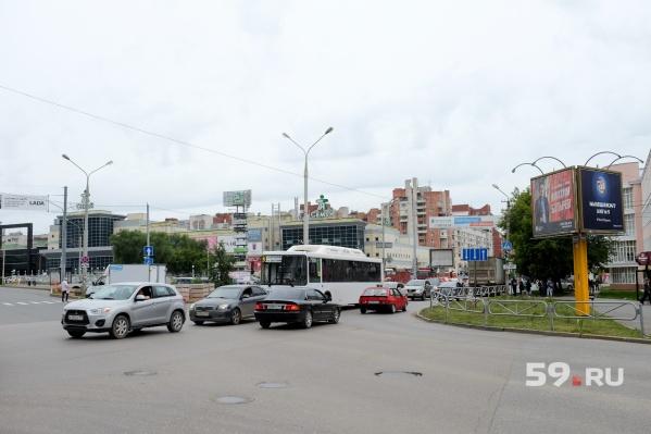 Для движения личного транспорта перекресток был открыт уже 19 августа