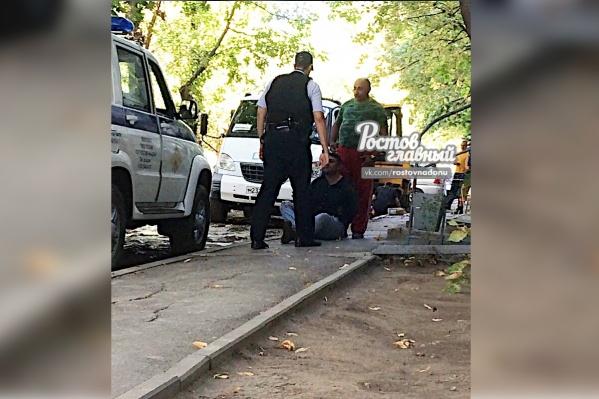Сотрудники водоканала сторожили дебошира до приезда полиции