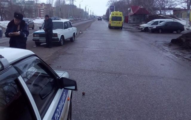 В Башкирии автомобиль сбил ребенка и женщину одновременно