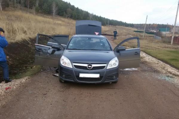 В автомобиле от взрыва выбило стёкла, один человек погиб