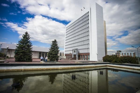 Новосибирские парламентарии заявили о нехватке денег в дорожном фонде