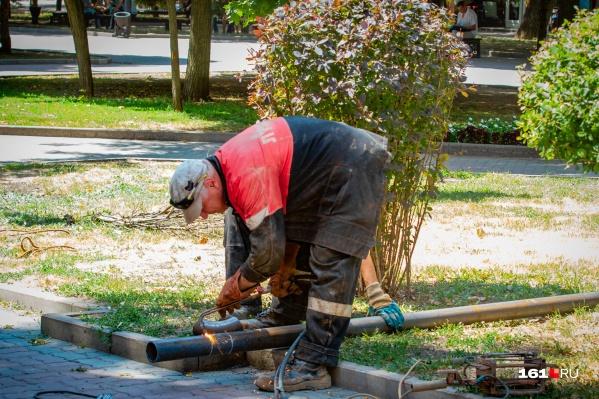 Из-за ремонта водопровода без воды остались многоэтажки в Железнодорожном районе города