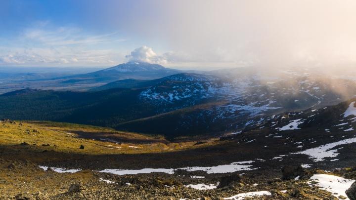 Цирк из «Американской истории ужасов» и вершины Алтайских гор: выбираем лучшее фото августа на Е1.RU