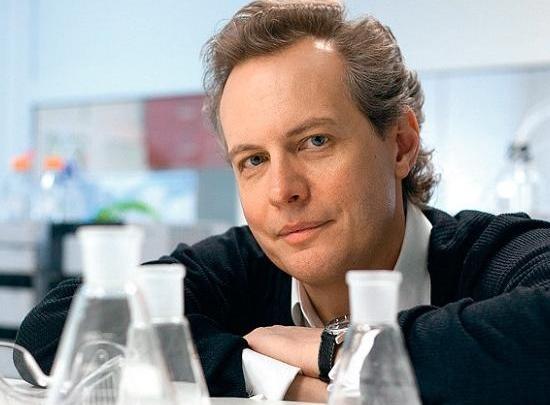 Химик из Нижнего Новгорода получил престижную премию в Америке