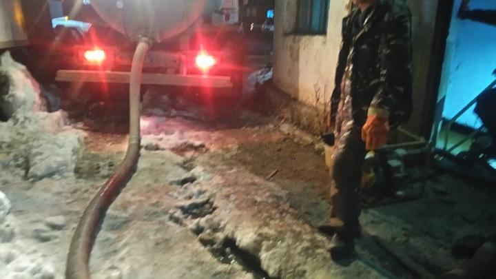 В Свердловской области из-за потопа на насосной станции без воды остался весь город