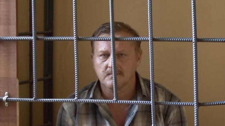 Задержали и снова выпустили: волгоградский лжеписатель украл «Родину-мать» у старушки