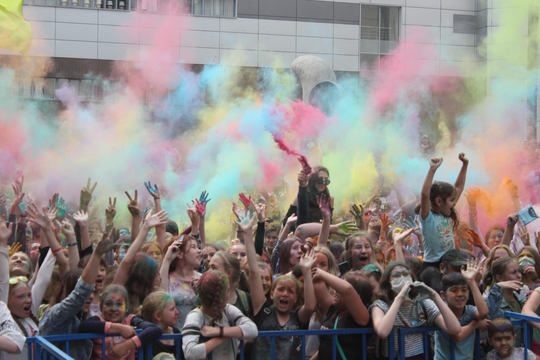 На фестиваль пришли тысячи человек