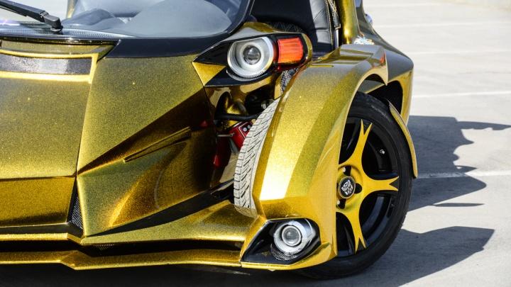 «Все удивлялись, зачем мне это надо»: умелец собрал фантастический спорткар по фото из интернета