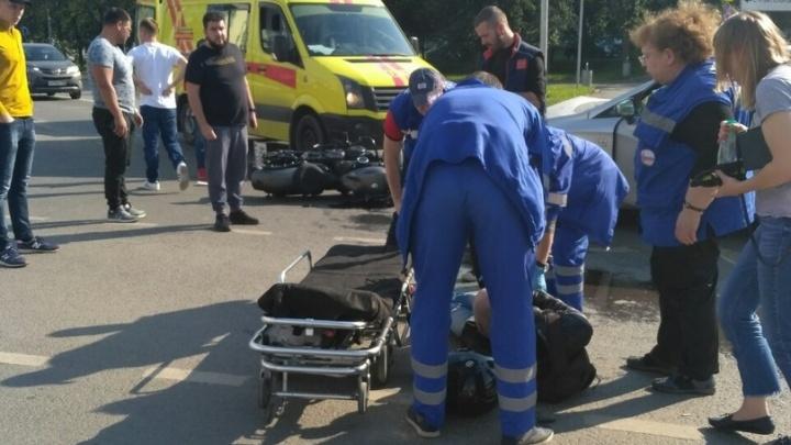 На Волгоградской в мотоциклиста врезался Seat