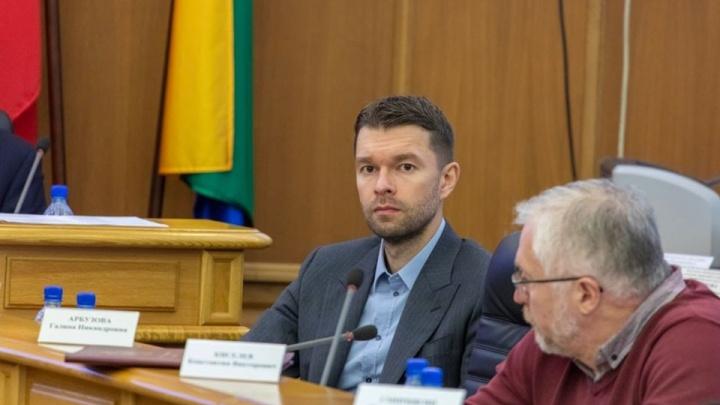 Депутат Екатеринбурга пожаловался в Совфед на коллег из-за 33 миллионов рублей и переезда Гордумы
