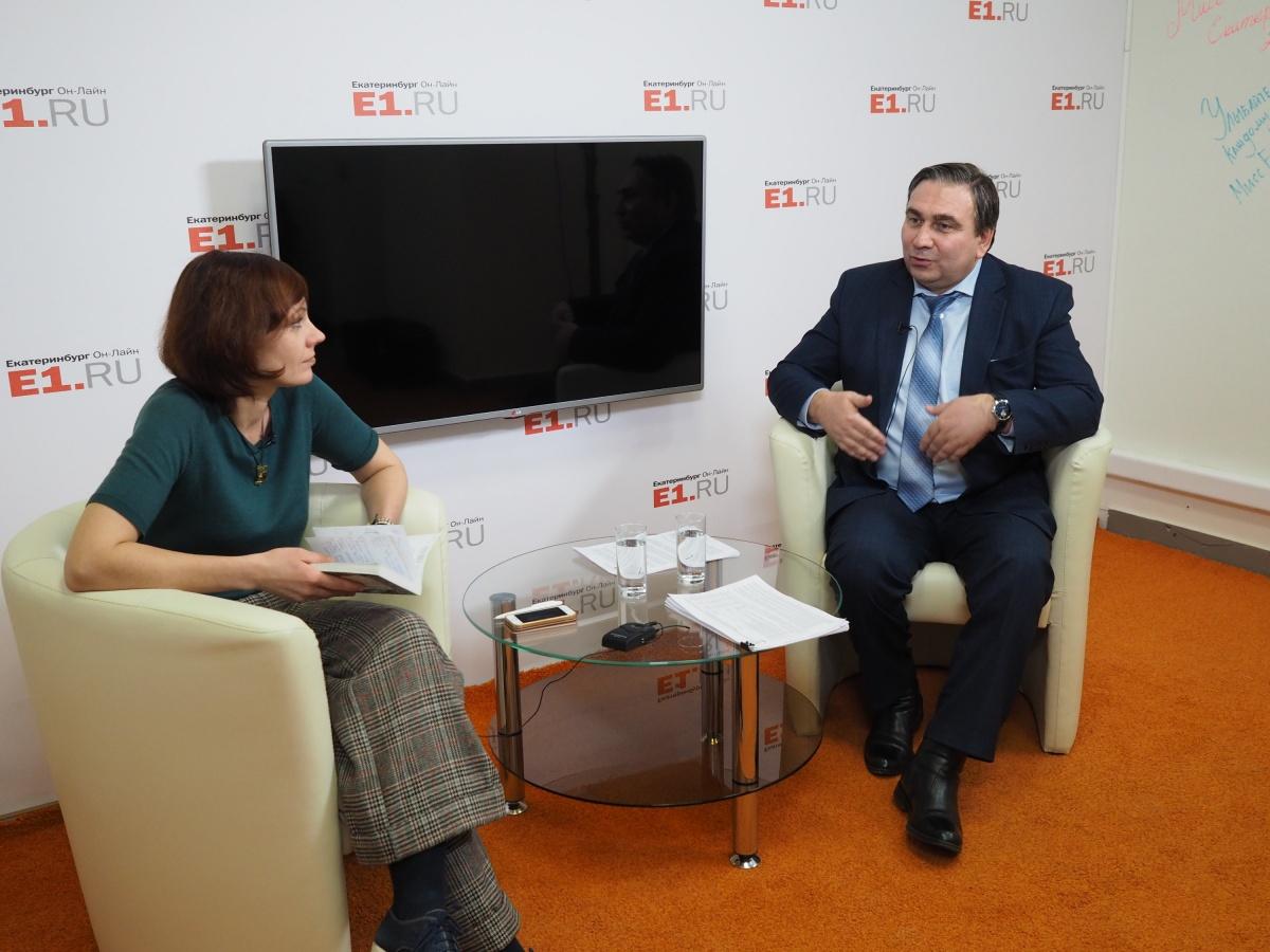 Министр ЖКХ Николай Смирнов объяснил, почему мы платим за вывоз мусора вдвое больше, чем соседи