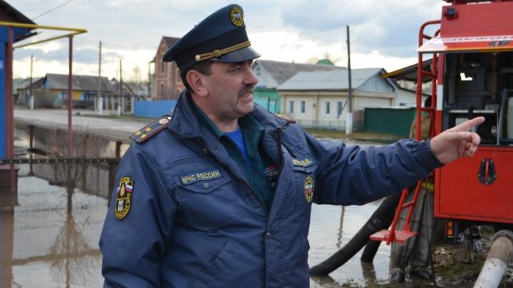 «Не кабинетный работник, а офицер с передовой»: тюменец возглавил МЧС Свердловской области