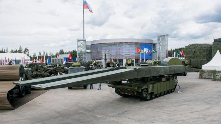 «Омсктрансмаш» показал новый танковый мостоукладчик на «Армии-2019»